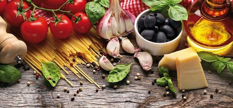 Verduras ye frutas en la pirámide alimenticia