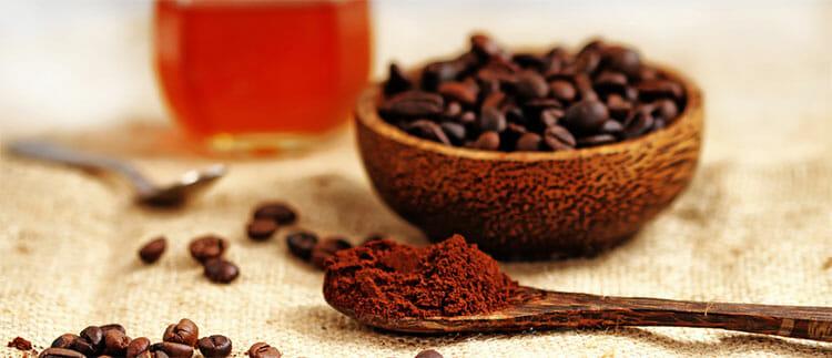 Mascarilla de café para las ojeras