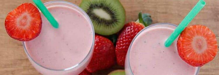 Bebida depurativa: batido de kiwi y fresas