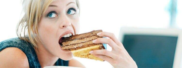 Es normal comer más durante la menstruación