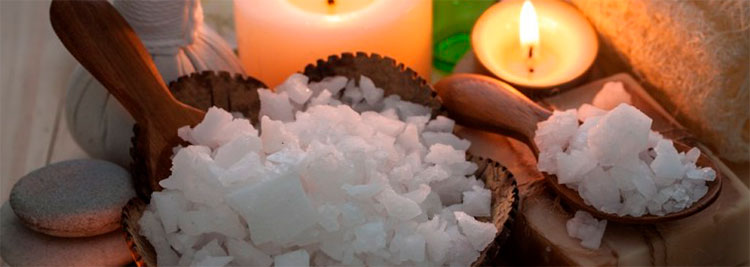 Cómo preparar baños de sal marina