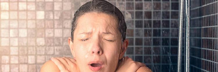 """¿Es bueno ducharse con agua fría"""""""