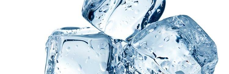 Masaje con hielo para la flacidez de los senos