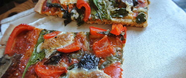 Pizza con harina de avena y vegetales