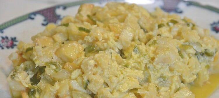 Huevos revueltos con bacalao