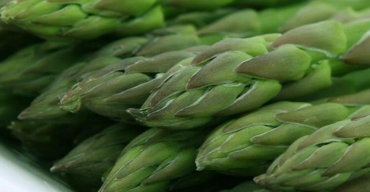 Espárragos, uno de los alimentos ricos en fenilalanina
