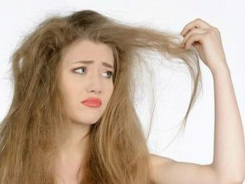 Los mejores remedios caseros para el pelo encrespado