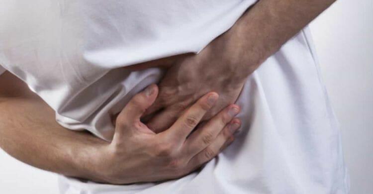 Dolor debajo de las costillas: tratamiento